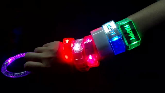 Video About How To Use the Led Wristbands
