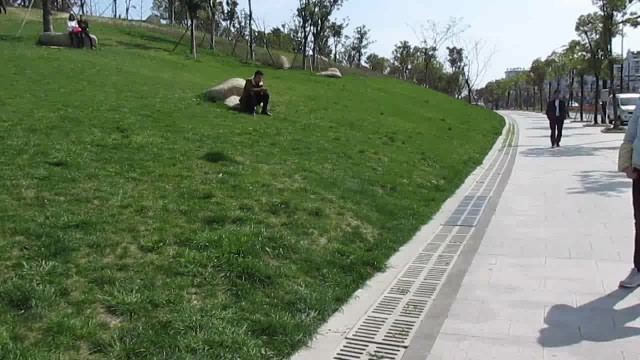 Chic electric hoverboard scooter  Climbing 32° thumbnail image