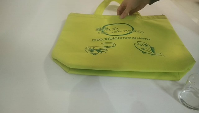 Eco-friendly waterproof cooler bag thumbnail image