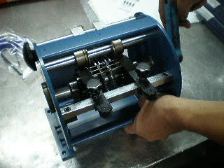 RT-80 Hand-crank Taped Axial Lead Former thumbnail image