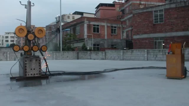 Concrete Cutting by Hydraulic Wire Saw Machine
