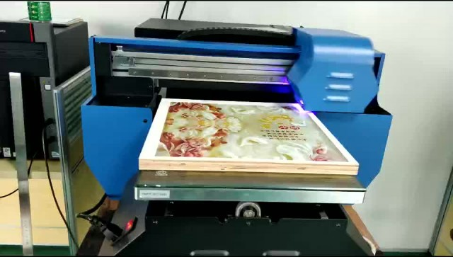 UV digital photo printer printing images on wood thumbnail image