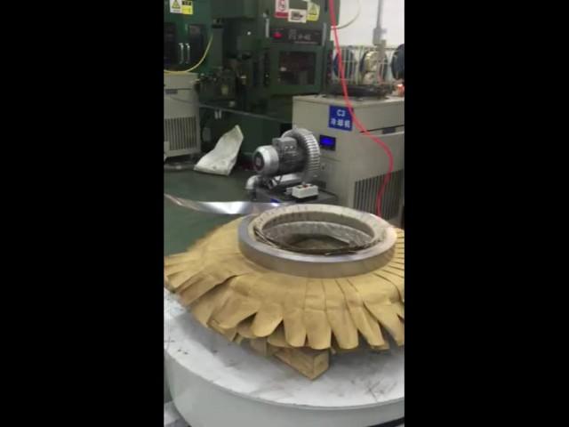 pressing machine working