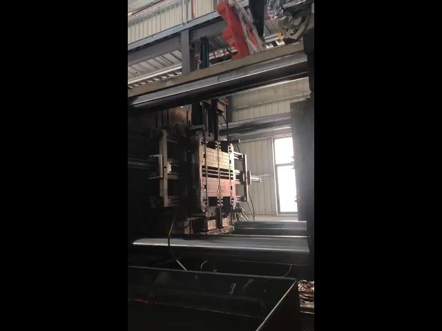 producing plastic pallets thumbnail image
