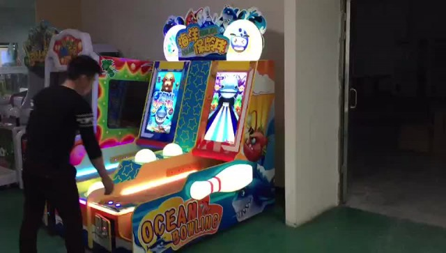 Ocean bowling redemption game machine 2players thumbnail image