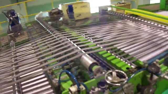 Paperboard sheeter - conveyor thumbnail image
