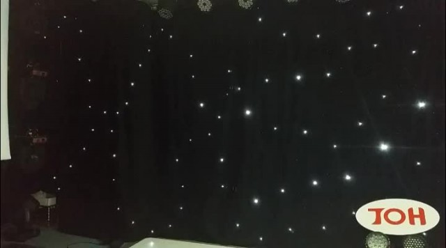 led starlit curtain thumbnail image