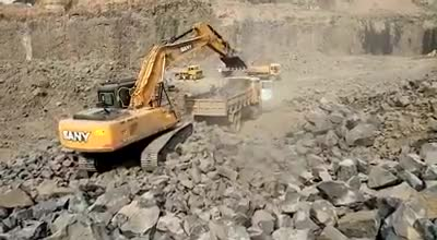 SANY 22 Ton Excavator working in the quarry